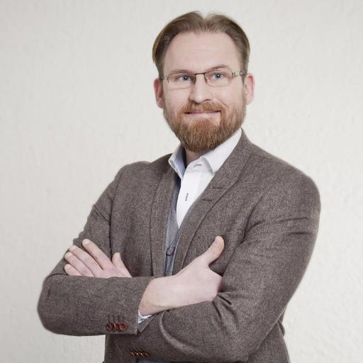Küchen sind seine Leidenschaft Küchendesign 20 Jahre Erfahrung Inhaber Projekt Küche Planungsbüro & Werkstätten Bayern München