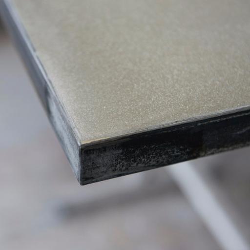 Beton Betonarbeitsplatte schwarz Stahl Rahmen geschliffen mit flächenbündigem Ausschnitt Spüle Kochfeld tolle Haptik widerstandsfähig wie Granit Stein Werkstatt Unikat